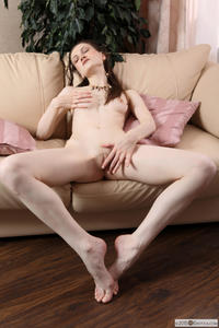 Odina-Pale-Skin--t5kbmi3lth.jpg