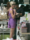 123mike HQ pictures of Victoria Th_05566_Victoria_Beckham_shopping_in_Beverly_Hills_171_123_369lo