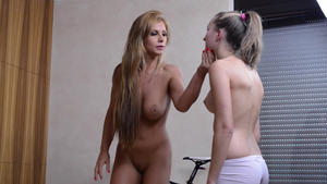 Hunt Erotic: Facesitting -By Dorotthy Black And Her Slave Melania