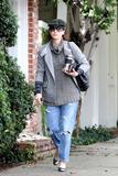 th_11374_Celebutopia-Kate_Walsh_with_ripped_jeans_in_Hollywood-20_122_883lo.JPG
